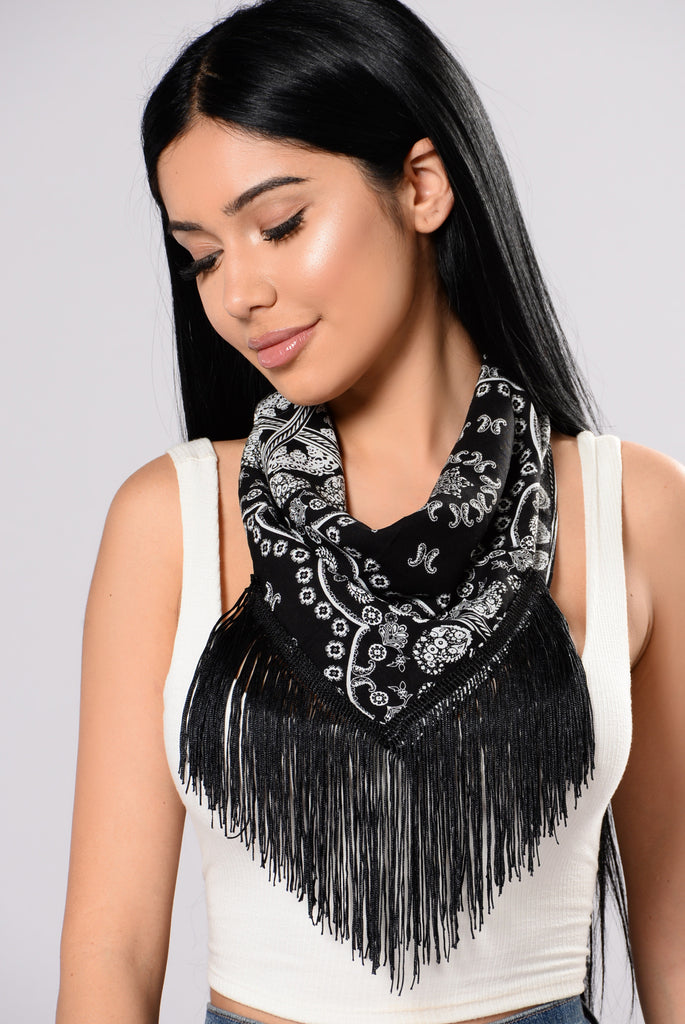 Gobi Desert Bandana Necklace - Black