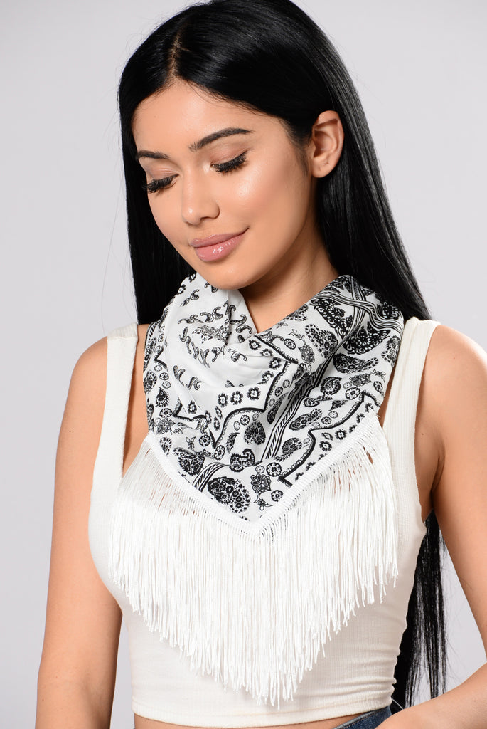 Gobi Desert Bandana Necklace - White