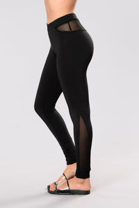 Santa Monica Stairs Leggings - Black