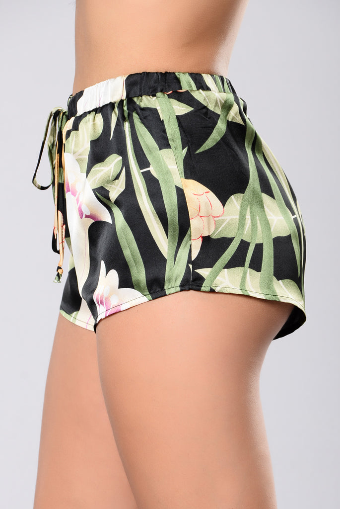 Look At Me Shorts - Black/Green