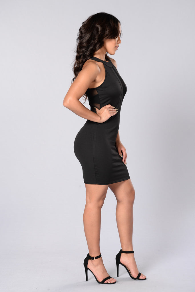 Aligned Dress - Black