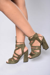 Love Game Heel - Army Angle 1