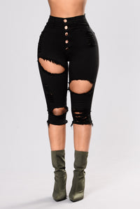 Scheming Shorts - Black