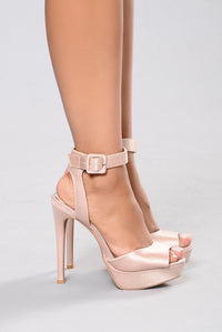 Queen Me Heel - Blush Angle 4