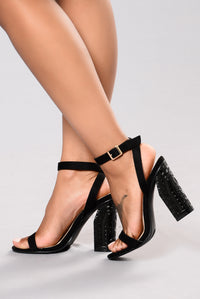 Pinkies Up Heel - Black