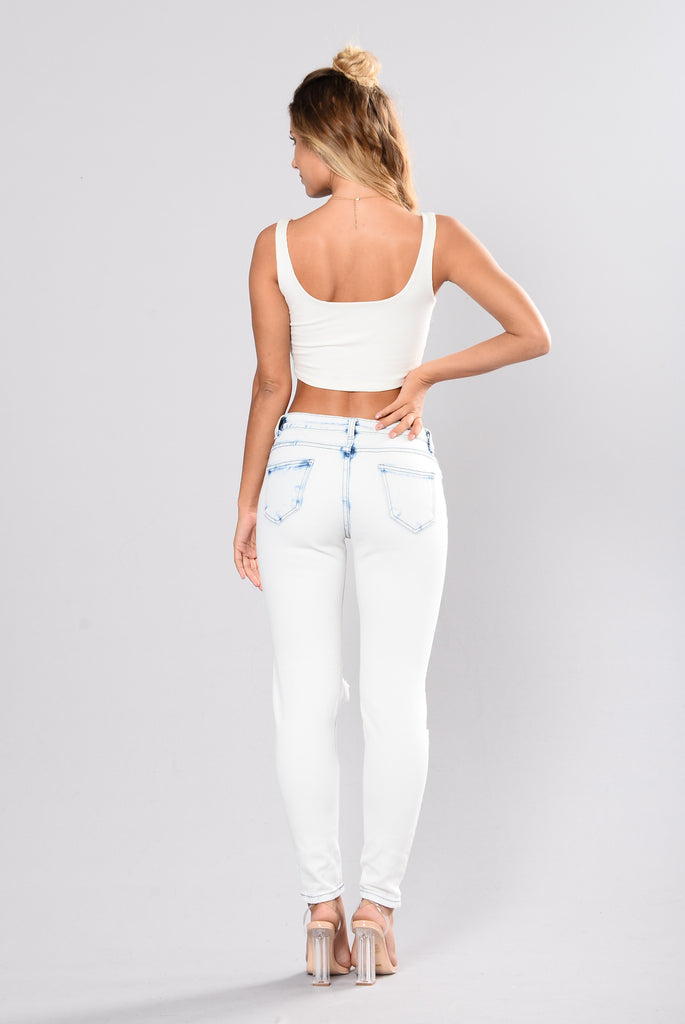 Quincy Distressed Jeans - Ice Blue