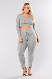 Wanderlust Leggings - Grey Angle 9