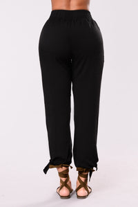 Runaway Girl Pants - Black