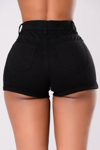 Knock 'Em Out Shorts - Black