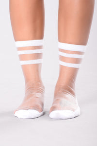 Run The Game Mesh Sock - White