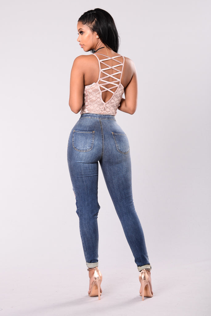 Stone washed denim jeans, the fishnet sock is not inclouded. Classic Skinny Jeans for Women Slim Fit Stretch Stone Washed Jeans in Junior Plus Size. by stilyaga.tk $ - $ $ 14 $ 27 FREE Shipping on eligible orders. out of 5 stars Product Features.