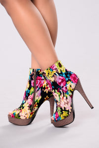 Power of the Flower Heel - Multi