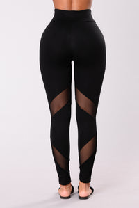 Strength Mesh Leggings - Black Angle 9
