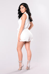 Downtown Abby Zipper Romper - Off White