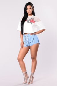 Rose Catcher Tee - Ivory