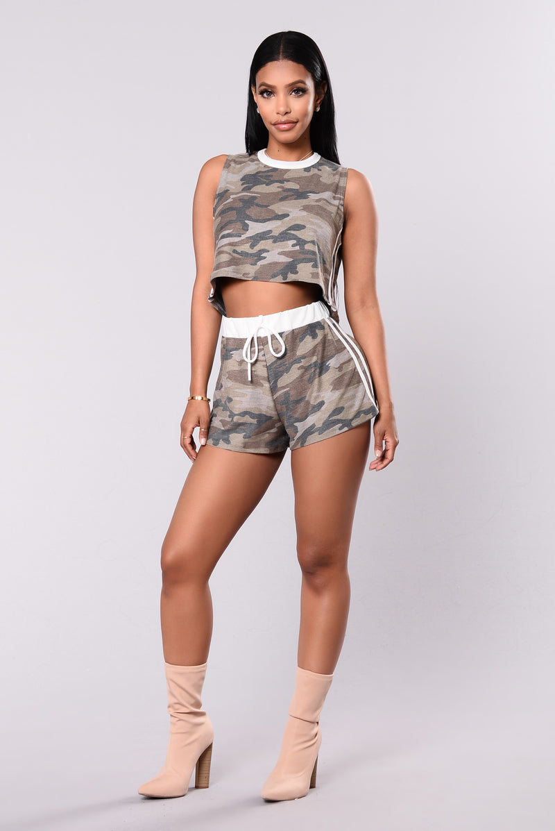 Incognito Shorts - Camouflage/White