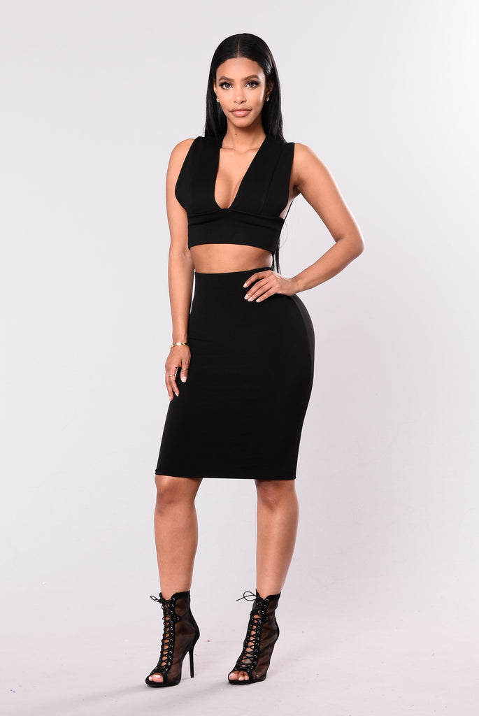 Julia Crop Top - Black
