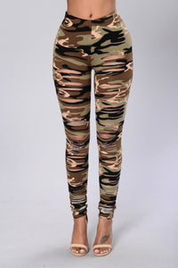 Take Charge Leggings - Camo Angle 1