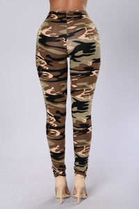 Take Charge Leggings - Camo Angle 4