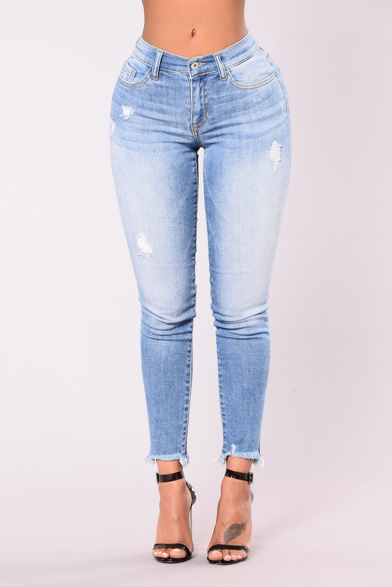 Lizzie Frayed Jeans - Light