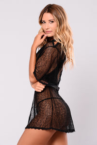 You Belong With Me Robe - Black