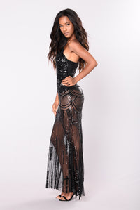 Keep Dancing Sequin Dress - Black