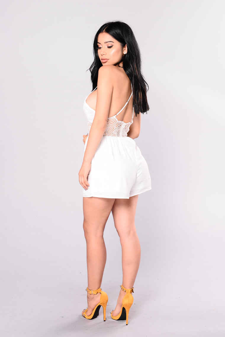 Familiar Feeling Romper - Off White