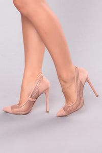 Meshy And Pointy Pump - Blush
