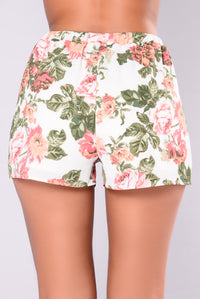 Jenessa Floral Shorts - Off White