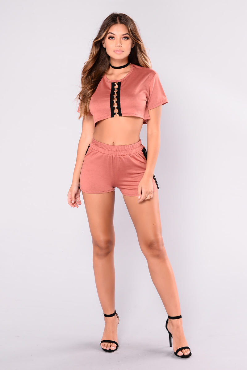 Womens Clothing Sales | Cheap Deals For Dresses, Tops, and Bottoms