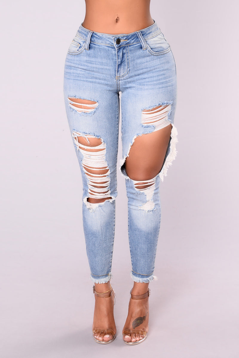 Jada Distressed Jeans - Light