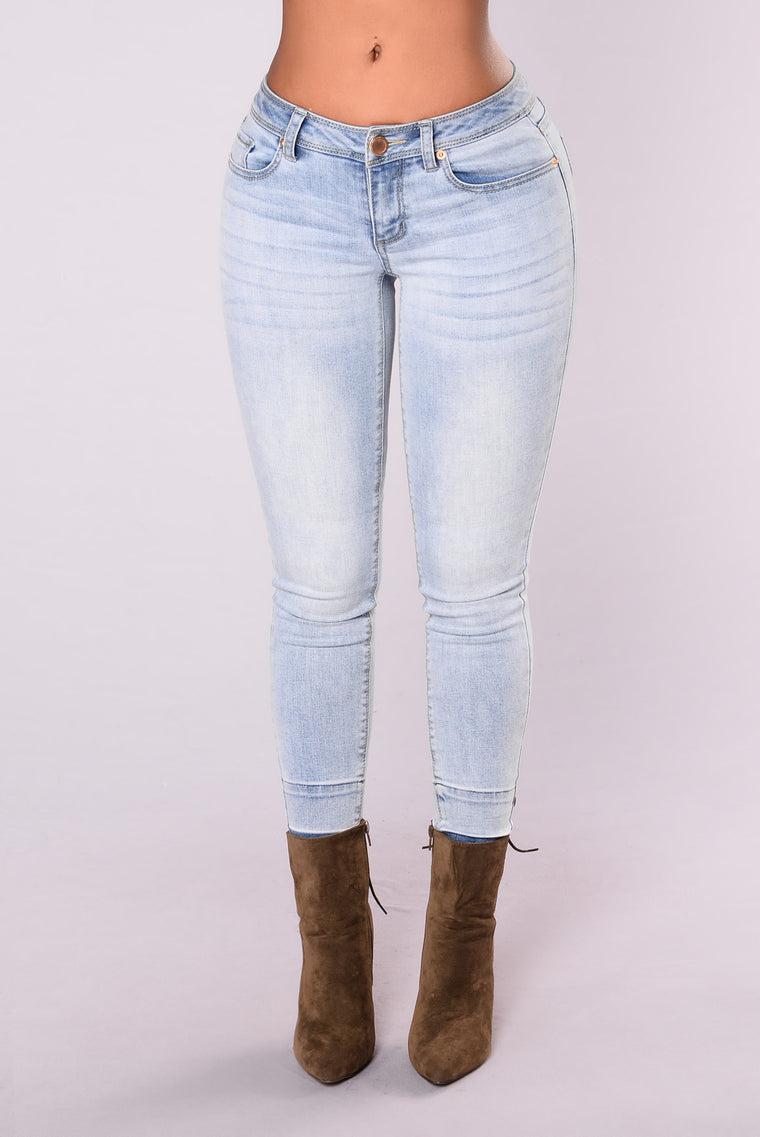 Try To Keep Up Jeans - Light Stone Wash
