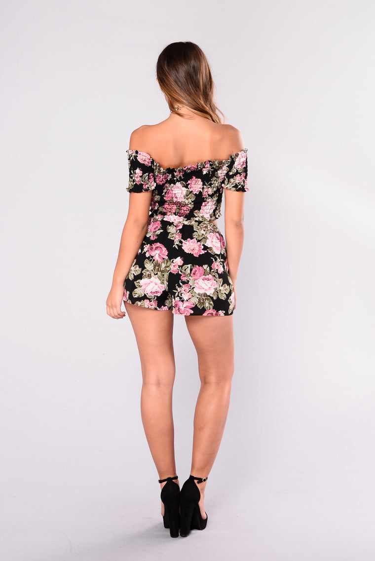 Kaitlin Floral Top - Black