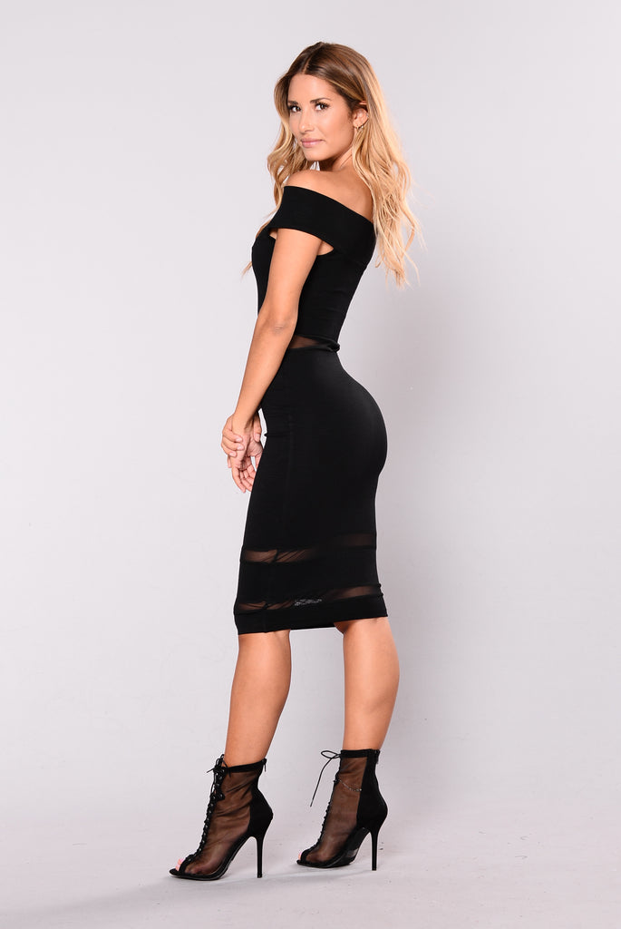 Side To Side Dress - Black