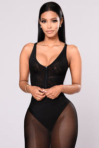 Darya Mesh Crop Top - Black