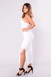 Don't You Dare Fishnet Dress - White