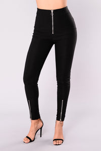 Blogger Goals Zipper Pants - Black