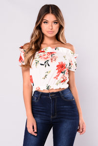 Becca Crop Top - White/Floral