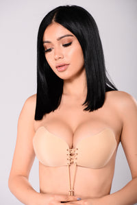 Pull Them Close Invisible Bra - Nude