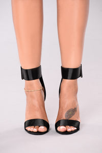 At Midnight Chunky Heels - Black