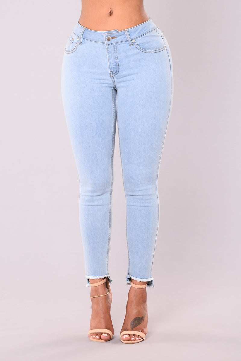 Rockin' With Me Jeans - Light Wash