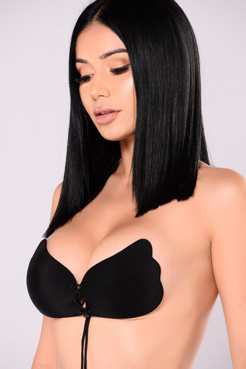 Pull Them Close Invisible Bra - Black