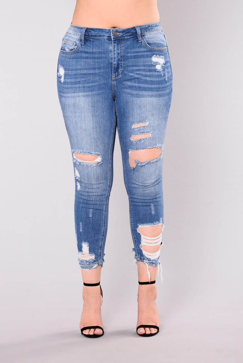 Julianne Distressed Jeans - Medium