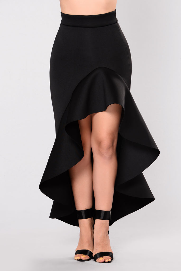 Need a Black Ruffle Skirt? Find a Womens Black Ruffle Skirt, a Juniors Black Ruffle Skirt or a Girls Black Ruffle Skirt at Macys.