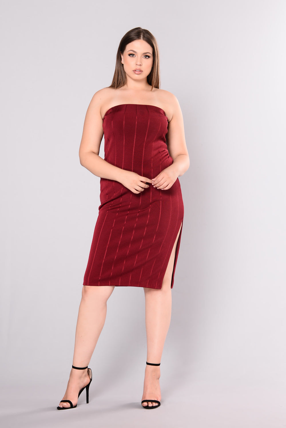 Hold Me Close Dress - Burgundy