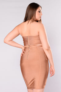 Find Me At The Bar Bandage Set - Taupe