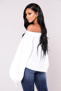 Ismena Off The Shoulder Top - White