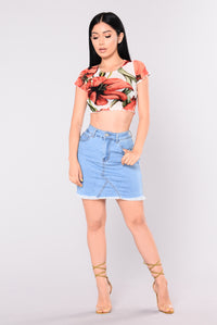 Volver Tulip Mesh Crop Top - Ivory/Red
