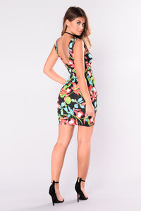 Lovely Places Floral Dress - Black/Green