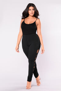 Working For It Leggings - Black Angle 12